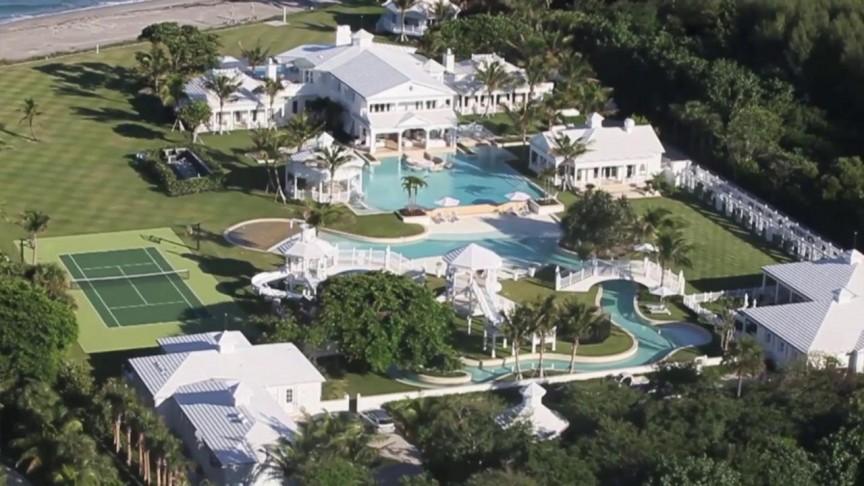 Kết quả hình ảnh cho Sylvester Stallone pool