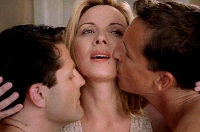 Homemade threesome with dildo
