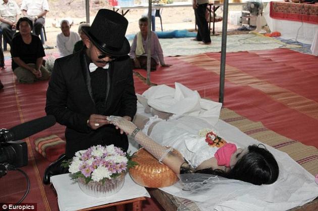 نتيجة بحث الصور عن Thai corpse bride