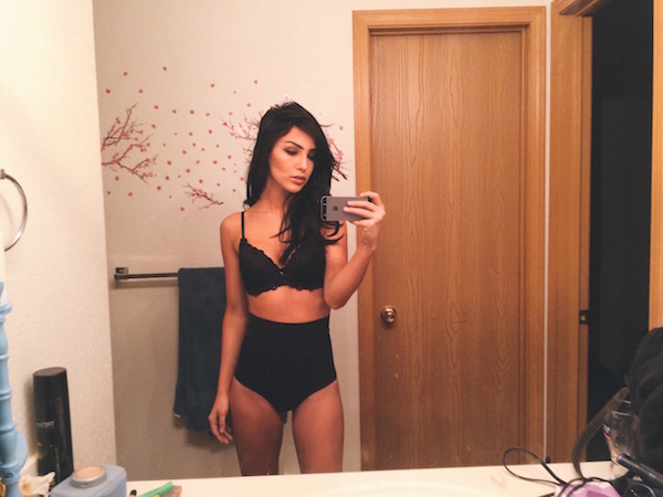17 Mirror Selfies Proving Mirrors Are The Best Kinds of ...