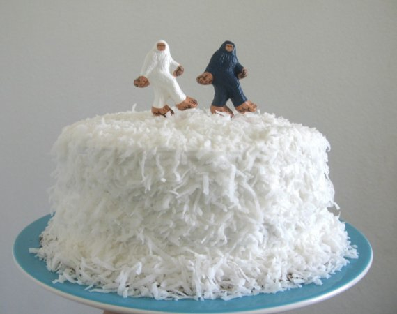 10 Creative Cake Toppers You Don\'t Usually See At Every Wedding ...