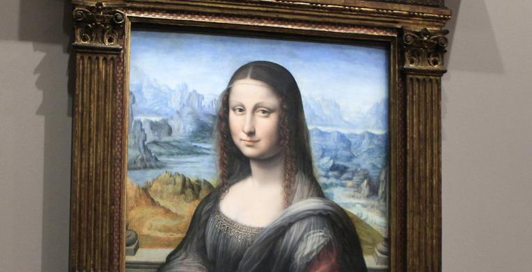 feminism in mona lisa smile It's taken him 12 years but an amateur art historian from texas reckons he's solved the mystery of mona lisa's enigmatic smile, five centuries after it was immortalised by leonardo da vinci.