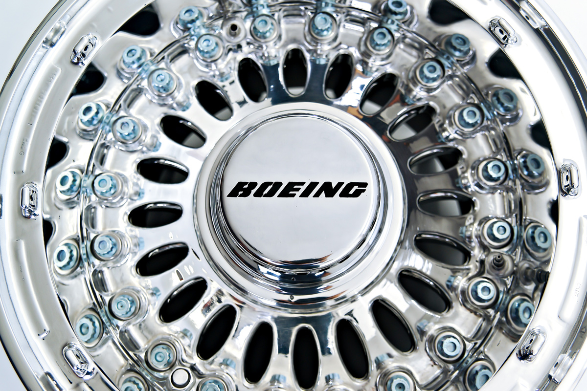 project_boeing_coffee_table_5.jpg
