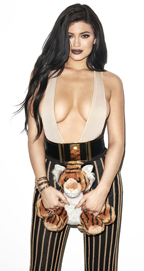 gallery_main_Kylie_Jenner_Terry_Richardson_01.jpg