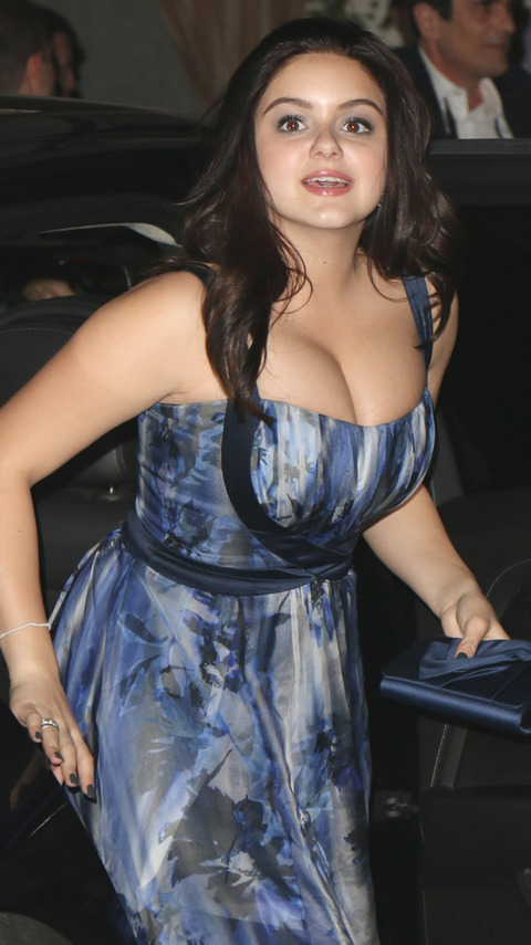 Ariel winter got a breast reduction fooyoh entertainment