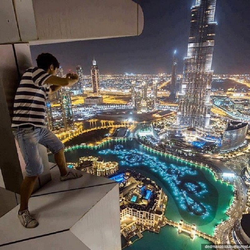 why dubai is a rich emirate 12032007 ninety miles from dubai,  the capital of the united arab emirates and the richest city in the world the emirate's 420,000  rich people had mud.