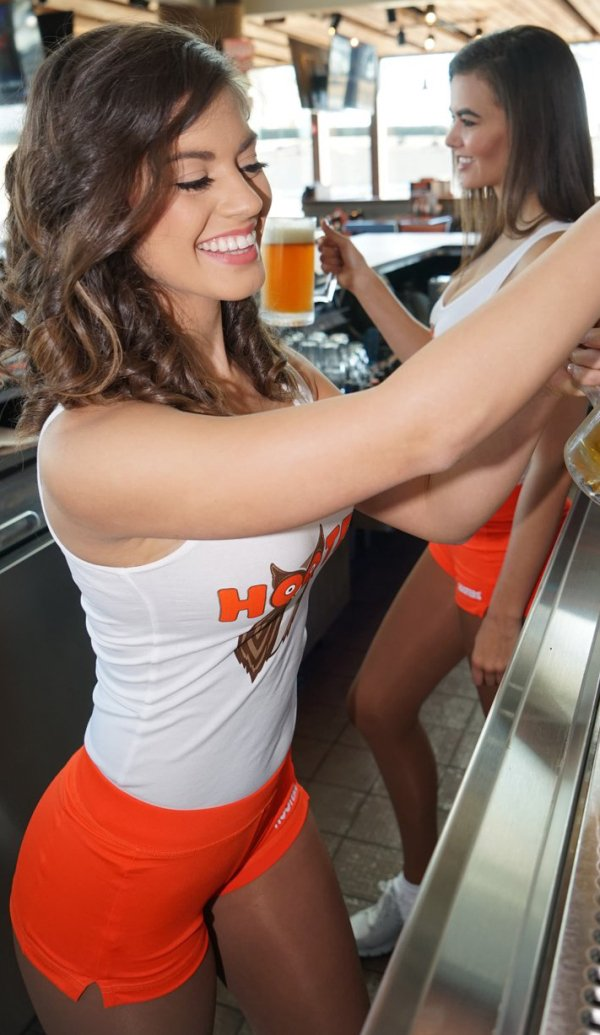 Hooters girls orange shorts - XXX photo